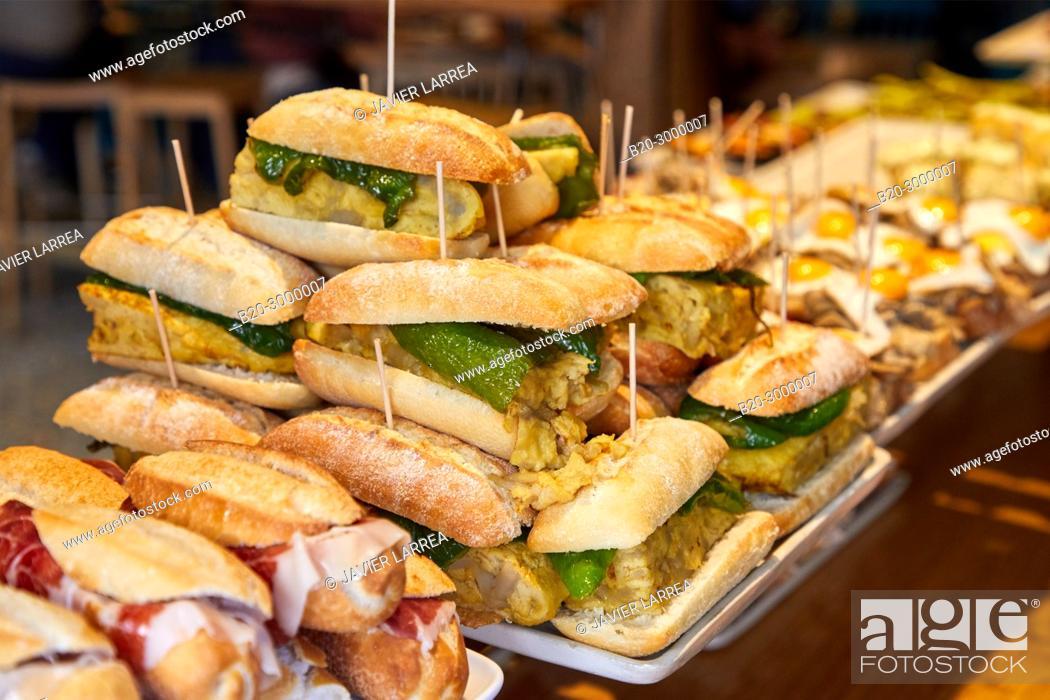 Imagen: Pintxos, Bar Restaurante Portaletas, Parte Vieja, Old Town, Donostia, San Sebastian, Gipuzkoa, Basque Country, Spain.