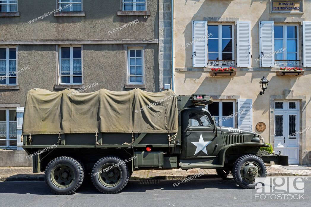 Stock Photo: WW2 U.S. Army GMC CCKW 2½-ton 6x6 cargo truck with winch, also known as Jimmy or the G-508 used during the Normandy invasion.