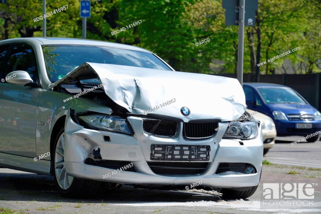 Auto Blechschaden Kurt Schumacher Damm Tegel Reinickendorf