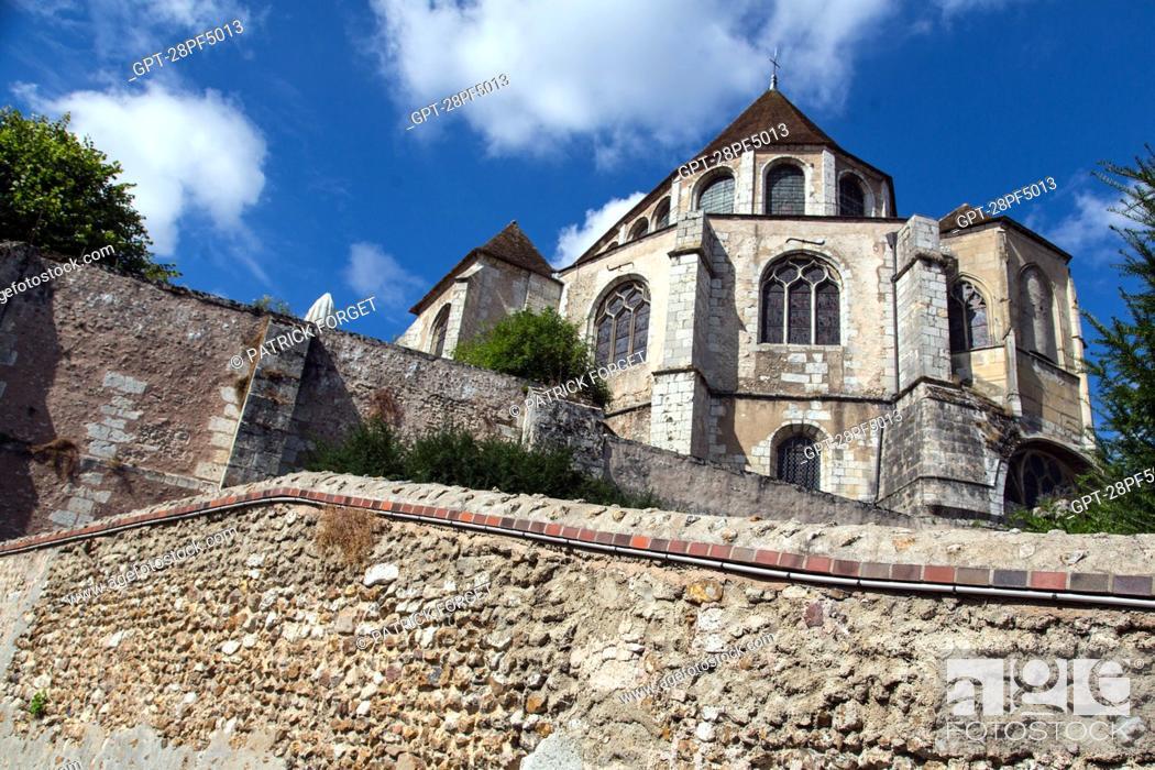 Imagen: CHEVET OF THE SAINT-AIGNAN CHURCH SEEN FROM THE SAINT-FRANCOIS HILL, CHARTRES, EURE-ET-LOIR (28), FRANCE.