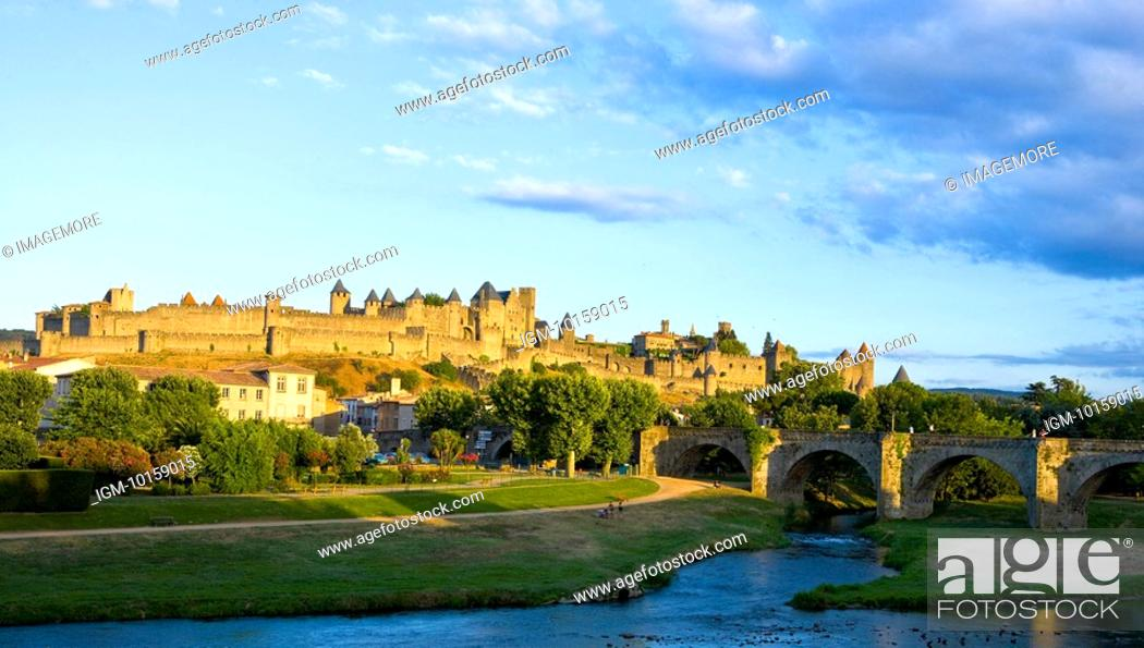 Stock Photo: France, Languedoc, Carcassonne, Castle walls.