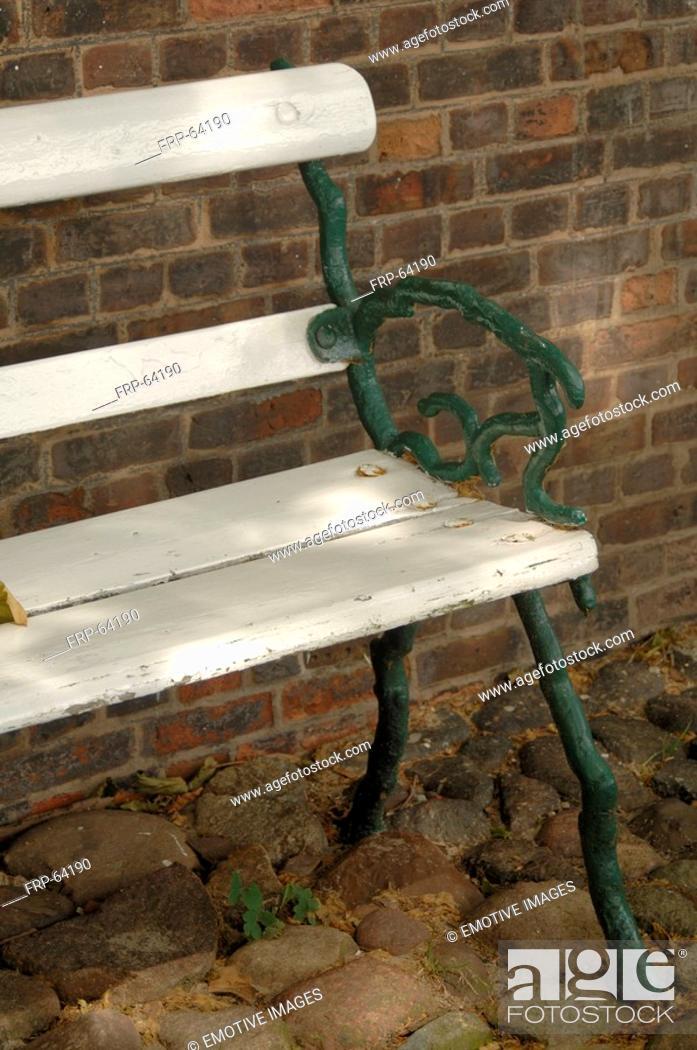 Stock Photo: Garten bench.
