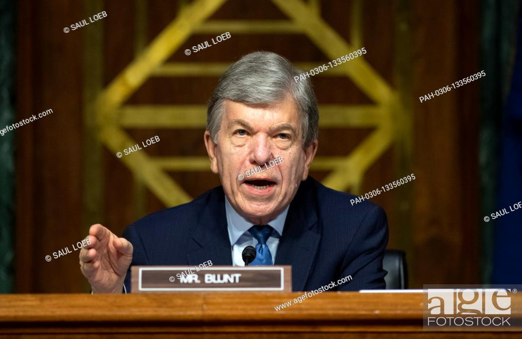 Photo de stock: United States Senator Roy Blunt (Republican of Missouri) and chairman of the Departments of Labor, Health and Human Services.