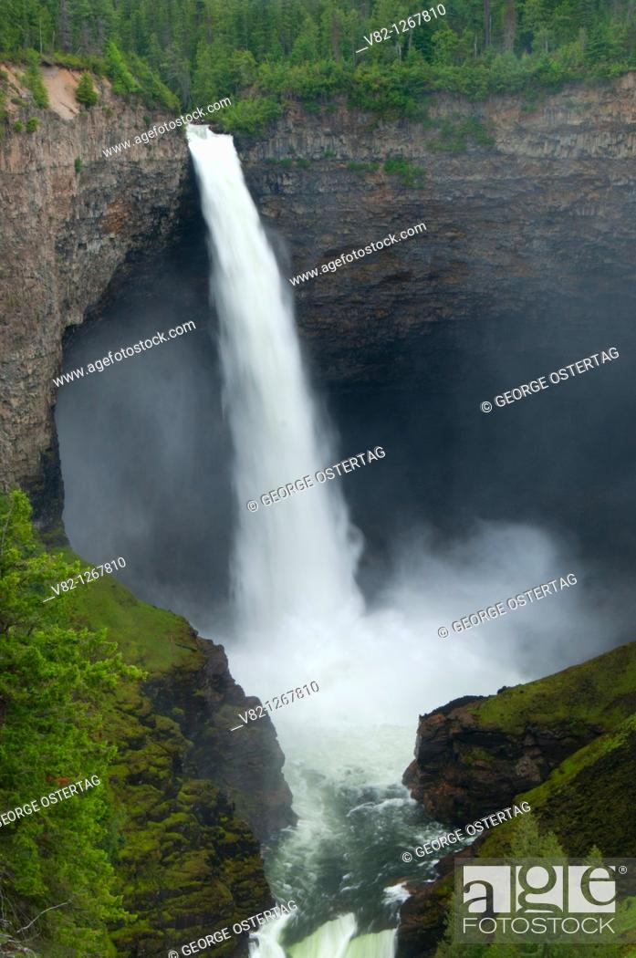 Stock Photo: Helmcken Falls, Wells Gray Provincial Park, British Columbia, Canada.