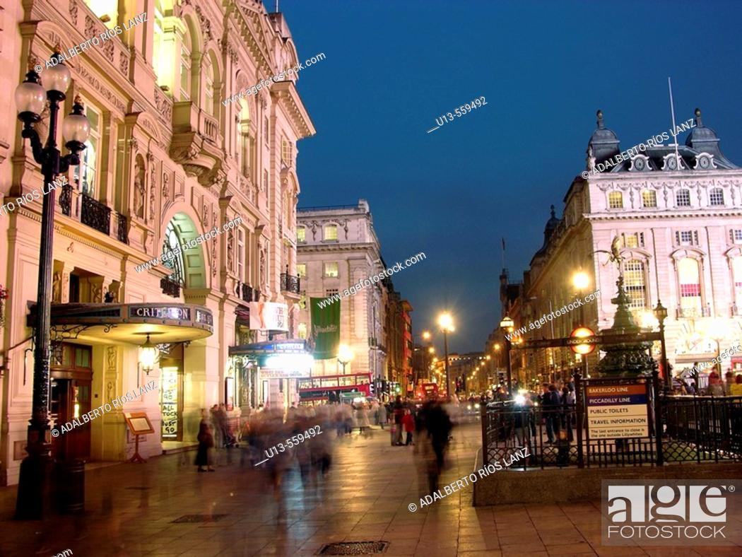 Stock Photo: Piccadilly circus, London, England.