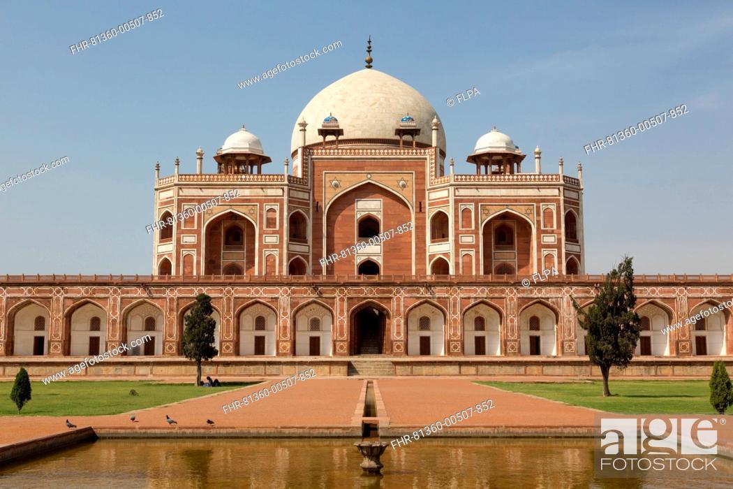 Stock Photo: Tomb of Mughal Emperor Humayun, Humayun's Tomb, Delhi, India, March.