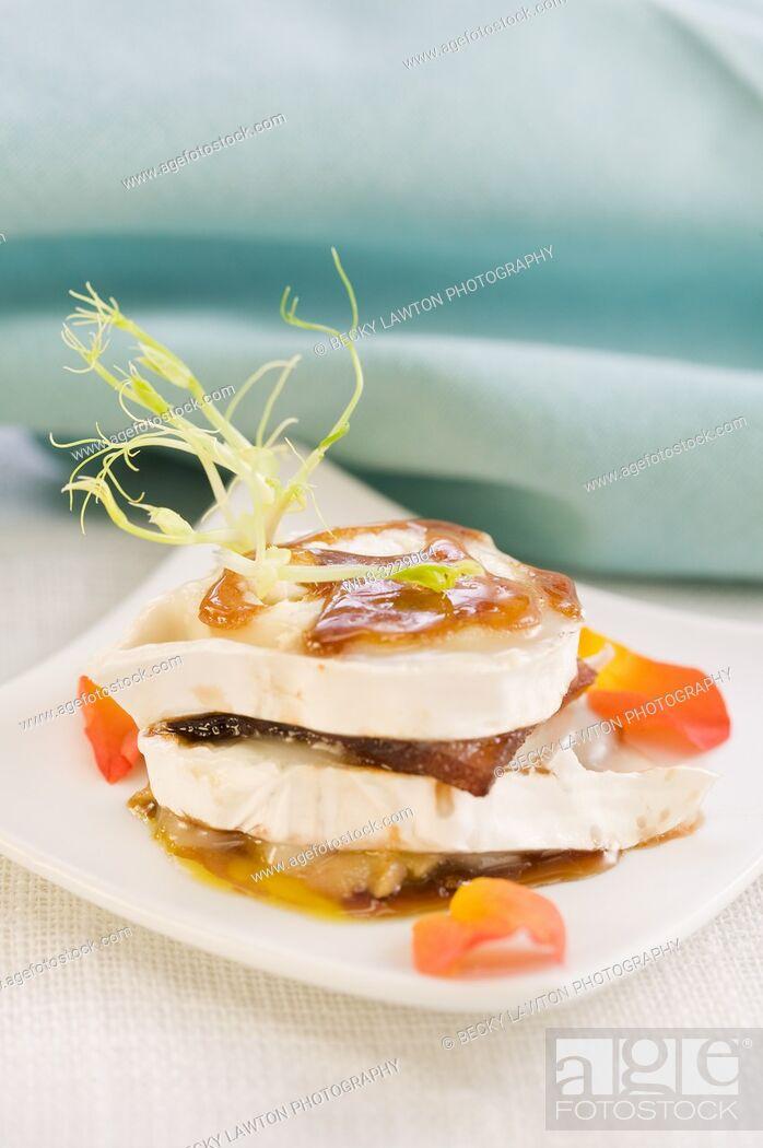 Stock Photo: Pincho de manzana caramelizada con foie y queso de cabra.