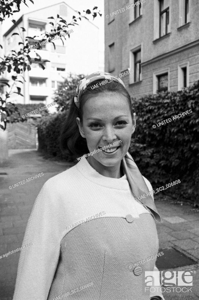 Imagen: Die deutsche Schauspielerin Friedel Frank, Deutschland 1970er Jahre. German actress Friedel Frank, Germany 1970s. 24x36swNeg489.