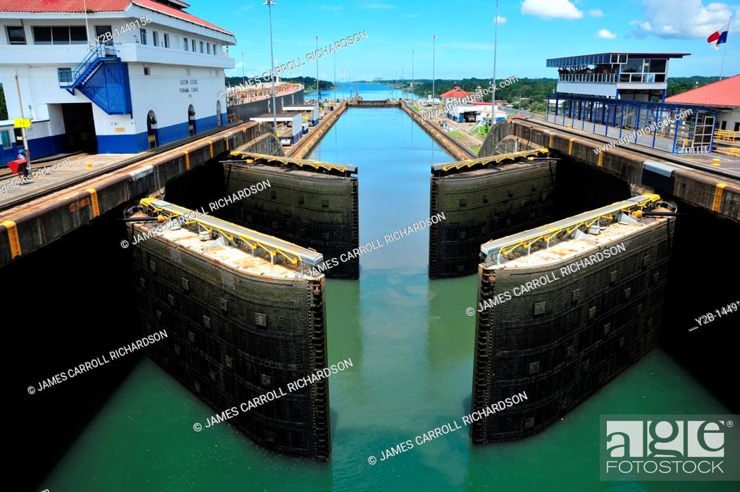 Stock Photo: Panama Canal locks filling with water for ships passage, Panama.