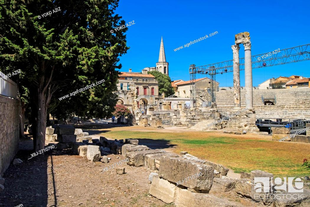 Imagen: France, Provence, Arles, old town, Gallo-Roman theatre, Roman theater 1st century BC, a historical monument.