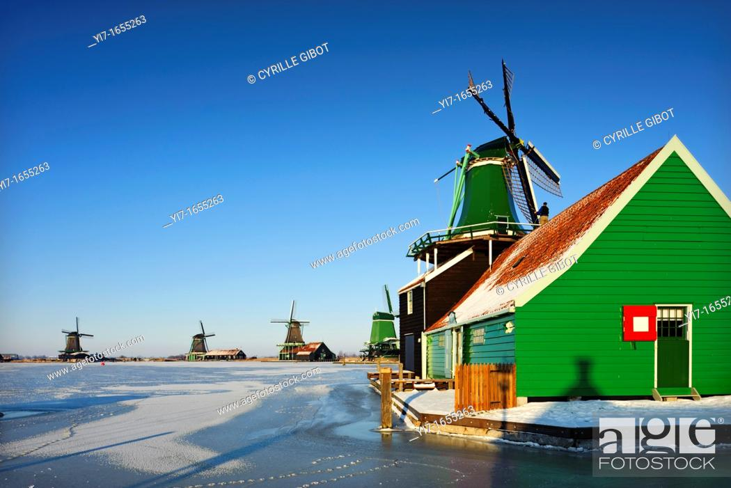 Stock Photo: Traditional Dutch windmills, Zaanse Schans, Noord Holland, the Netherlands.