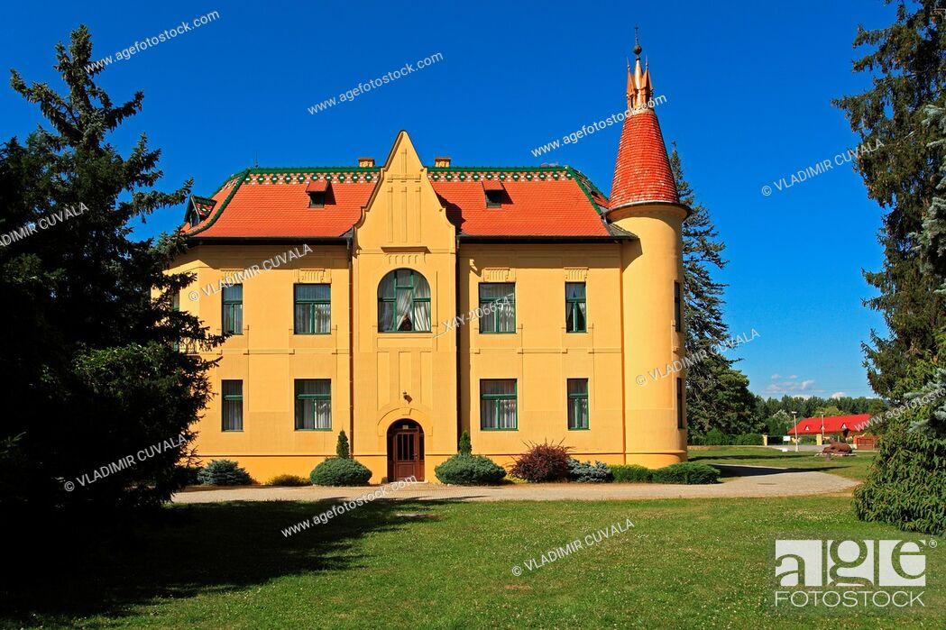 Stock Photo: Polovnicky zamok (Hunters' manor house), Topolcianky, Slovakia.