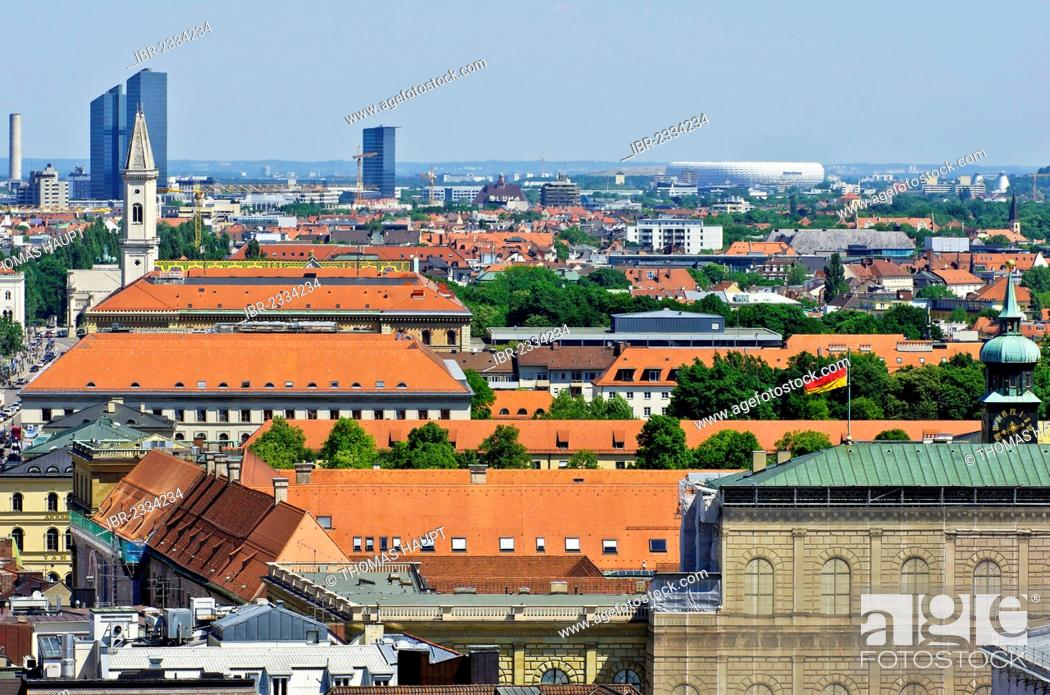 Stock Photo: View over the roofs of Munich as seen from the steeple of the Church of St. Peter, Upper Bavaria, Bavaria, Germany, Europe.