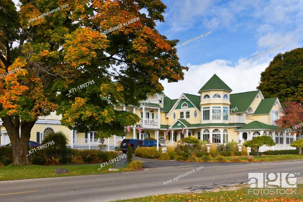 Imagen: The Brigadoon Bed and Breakfast at Mackinaw City, Michigan, USA.