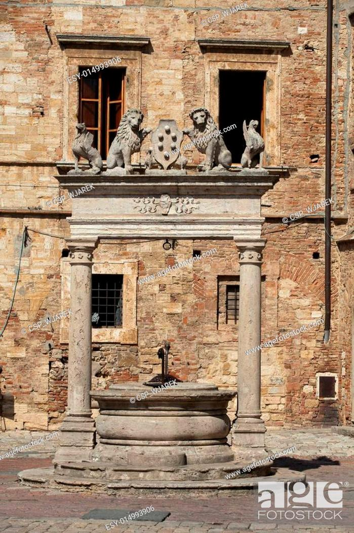 Stock Photo: Old well in Piazza Grande - Montepulciano , Tuscany, Italy.
