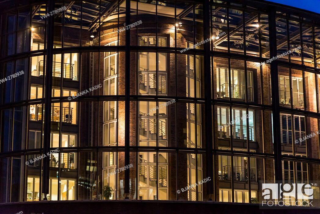 Stock Photo: Modern office building, Hamburg, Germany.