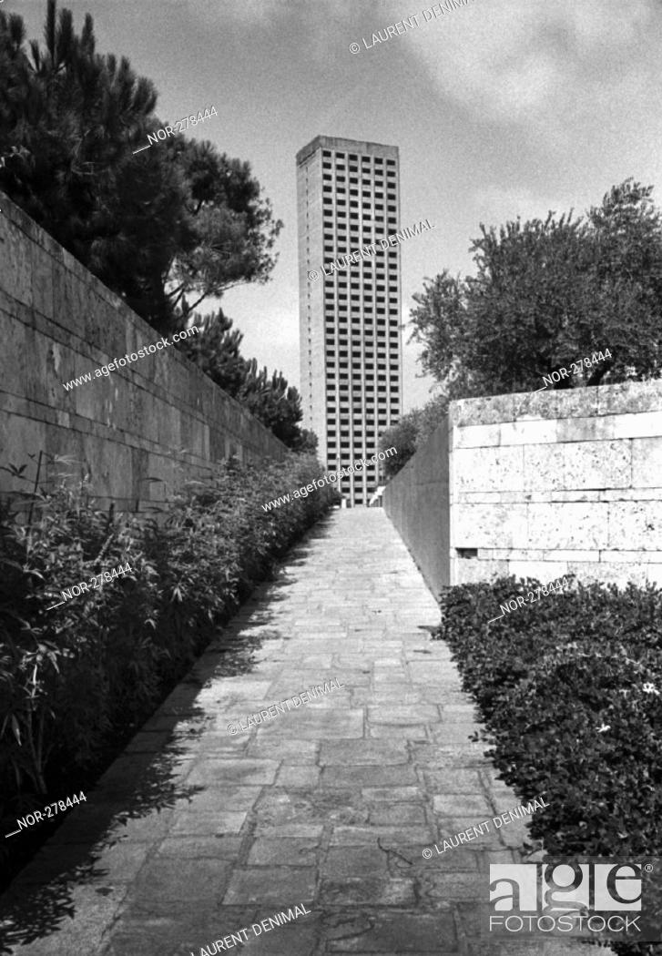 Stock Photo: the highest building in Beyrouth, Lebanon.