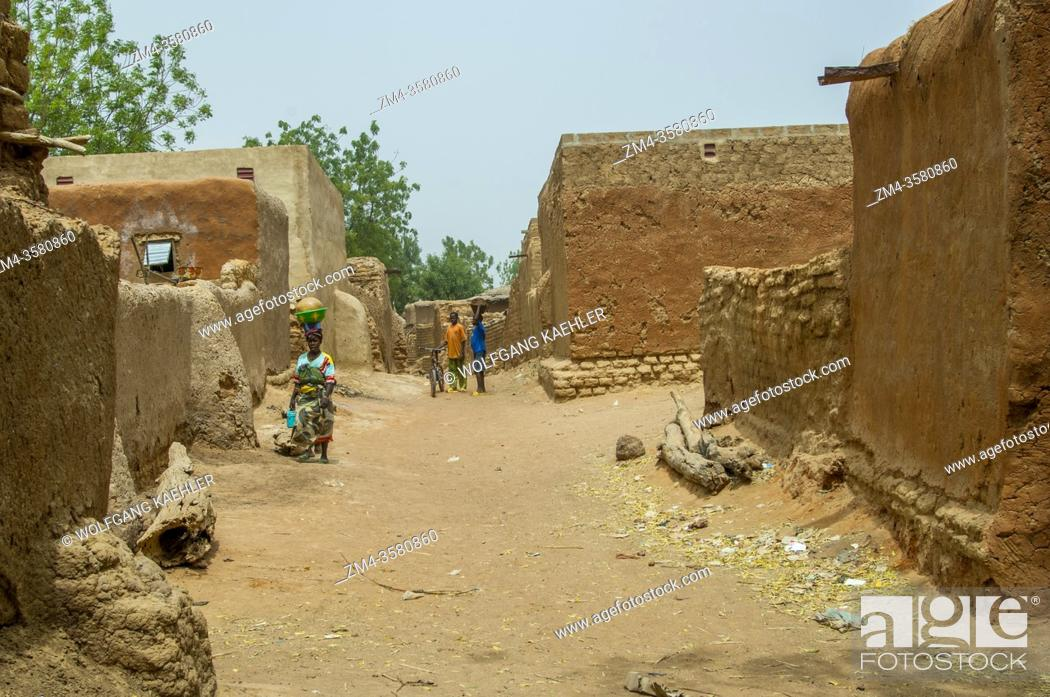 Stock Photo: Mudbrick houses in the village of Segoukoro (Bambara tribe) near Segou city in the center of Mali, West Africa.