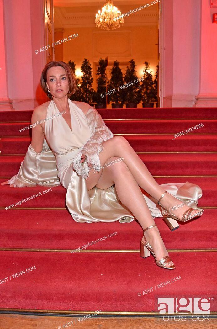 Feet julia koschitz Julia Koschitz
