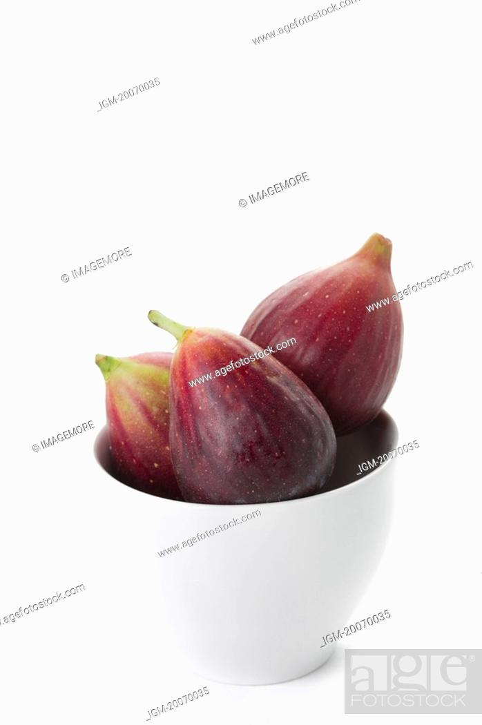 Stock Photo: Figs in a bowl.