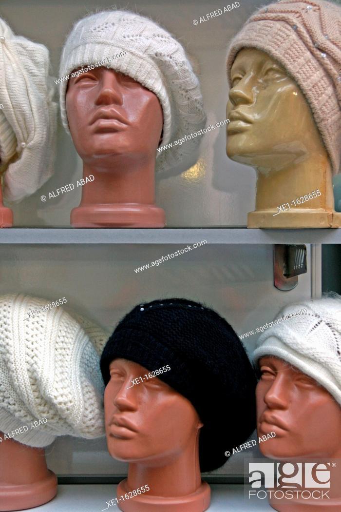 Stock Photo: wool hats, Istanbul, Turkey.