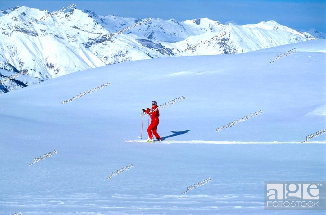 Stock Photo: Mountain - Belleville Valley - Les Menuires.