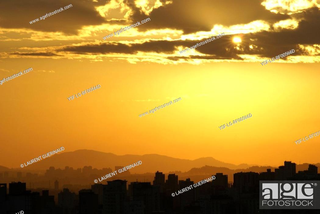 Stock Photo: Sunset, City, São Paulo, Brazil.
