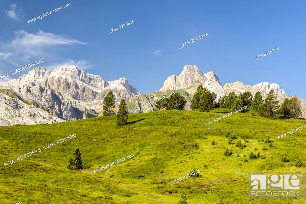 Imagen: View of Somport from Candanchu, Huesca, Spain.