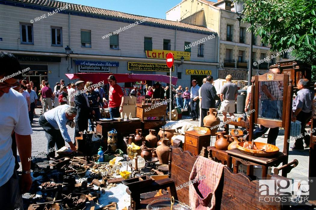 Stock Photo: Spain - Madrid - El Rastro - a gigantic fleamarket and antiques dealers.