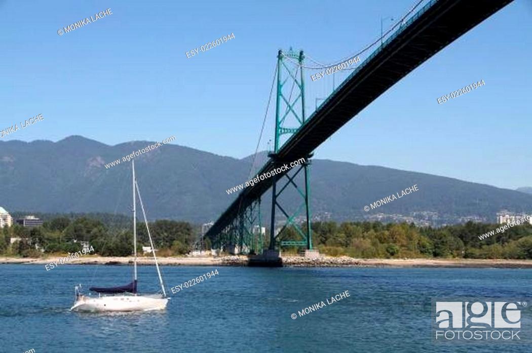 Stock Photo: Vancouver - Lions Gate Brigde.
