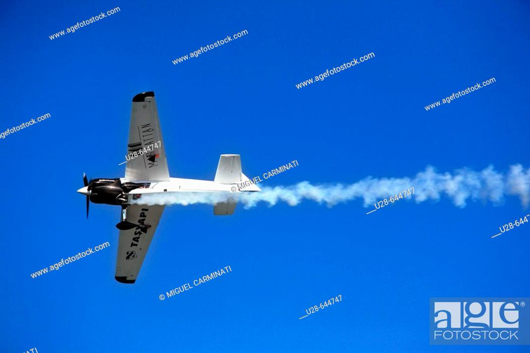 Stock Photo: Turkey, Istanbul. Plane flying over Bosphorus strait during the Red Bull Air Race 2007.