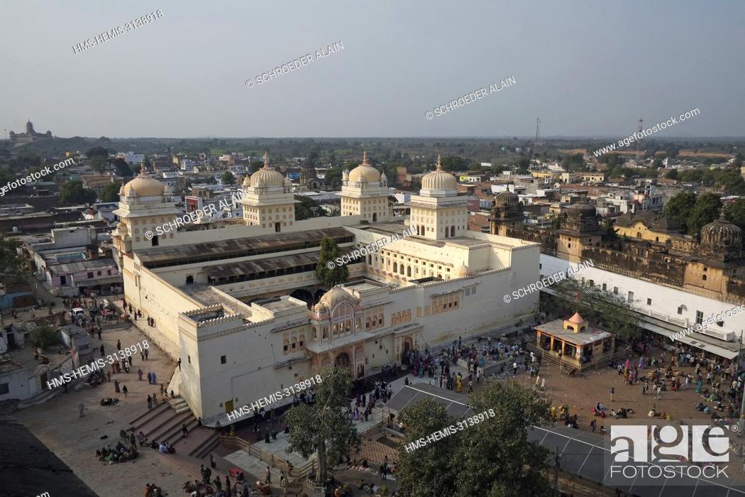 Stock Photo: India, Madhya Pradesh State, Orchha, Raja Ram Temple.
