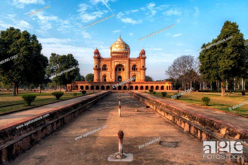 Stock Photo: safdarjung tomb mausoleum dome and the surrounding tomb complex scenery. Taken in New delhi, India.