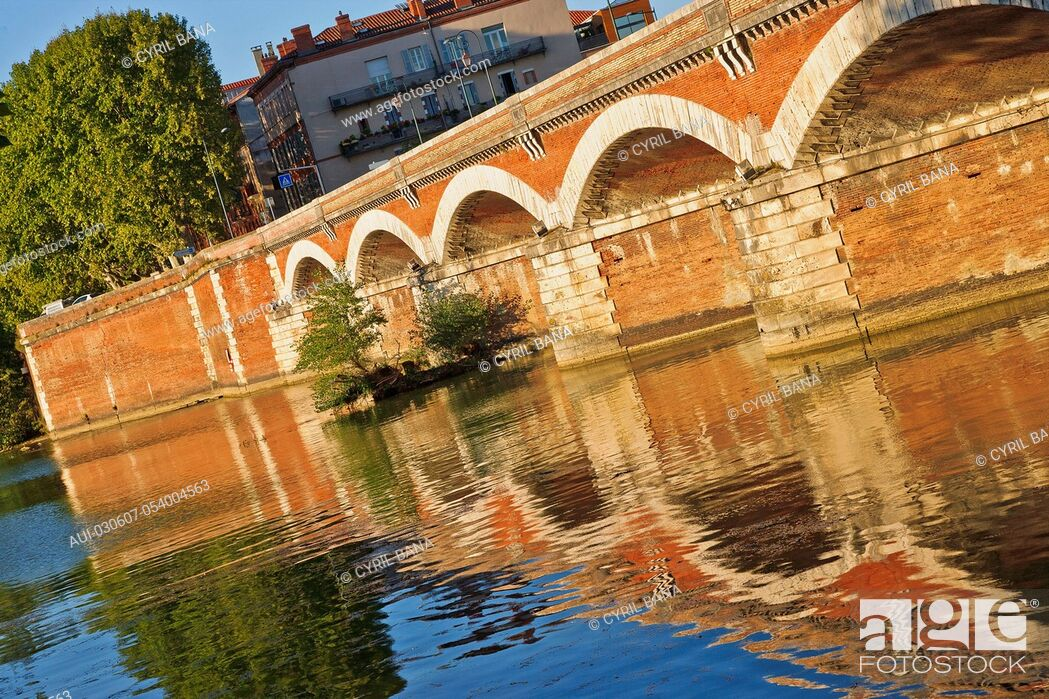 Stock Photo: France, Toulouse, Tounis bridge, [Garonne River], Pont de Tounis.