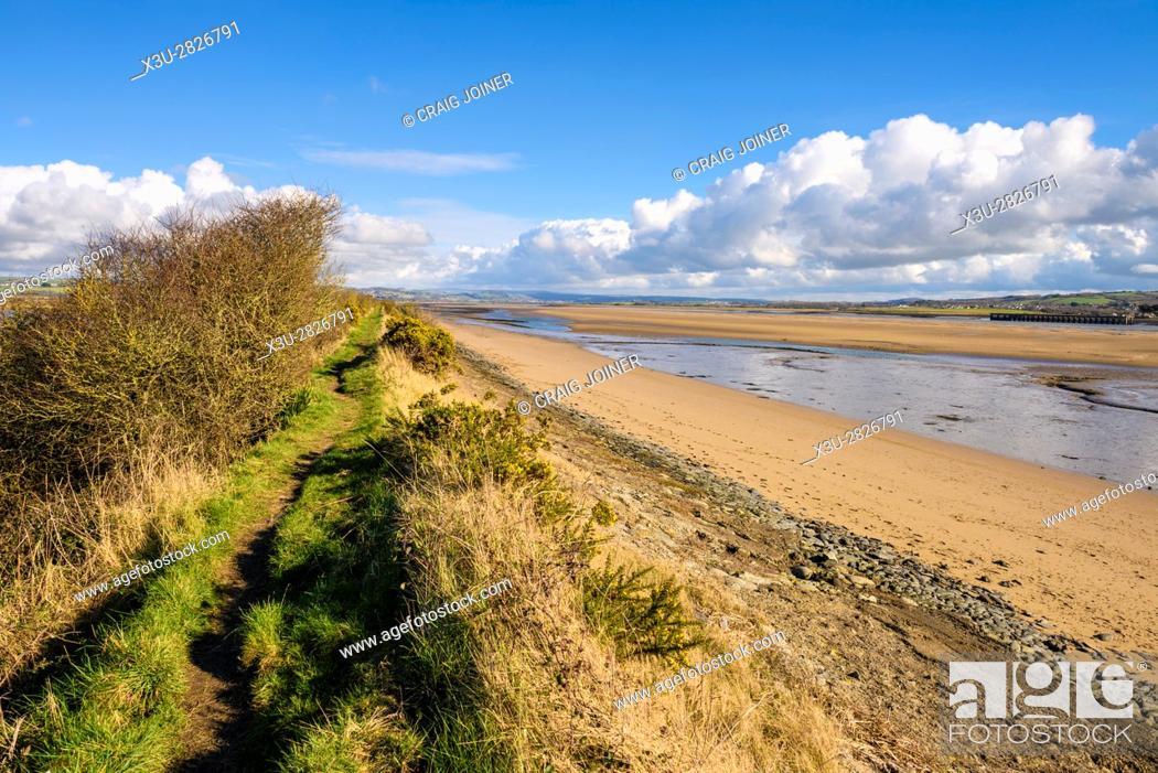 Stock Photo: The South West Coast Path on Horsey Island along the River Taw estuary, Braunton, Devon, England.