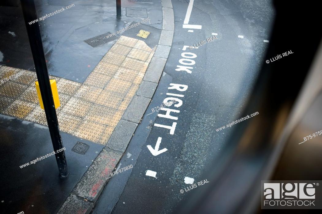 Stock Photo: Street scene, London, England.