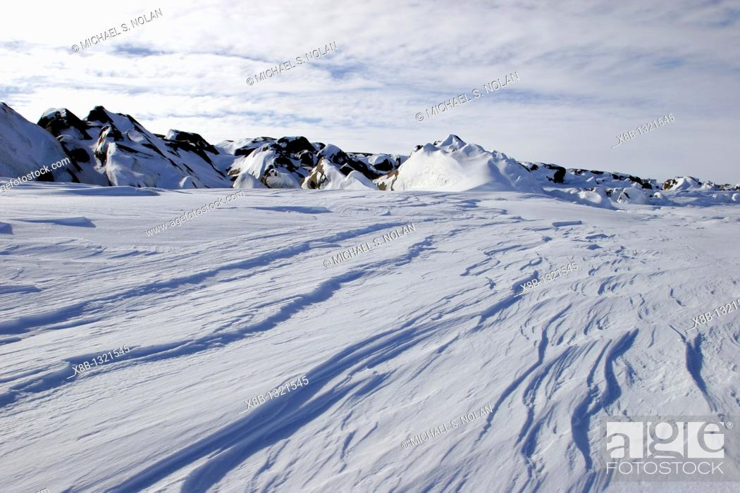 Stock Photo: The frozen coastline of southwestern Hudson Bay in winter, just outside of Churchill, Maitoba, Canada.