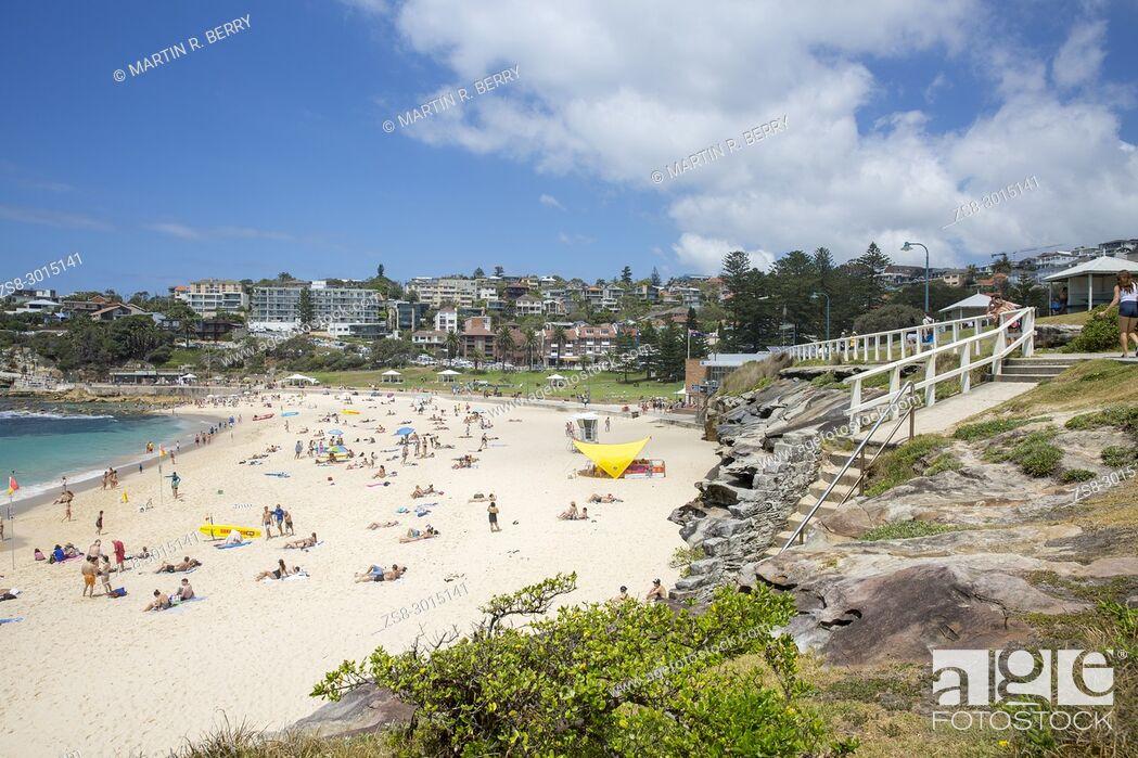 Stock Photo: Bronte beach on a summers day in Sydney eastern suburbs, Australia.