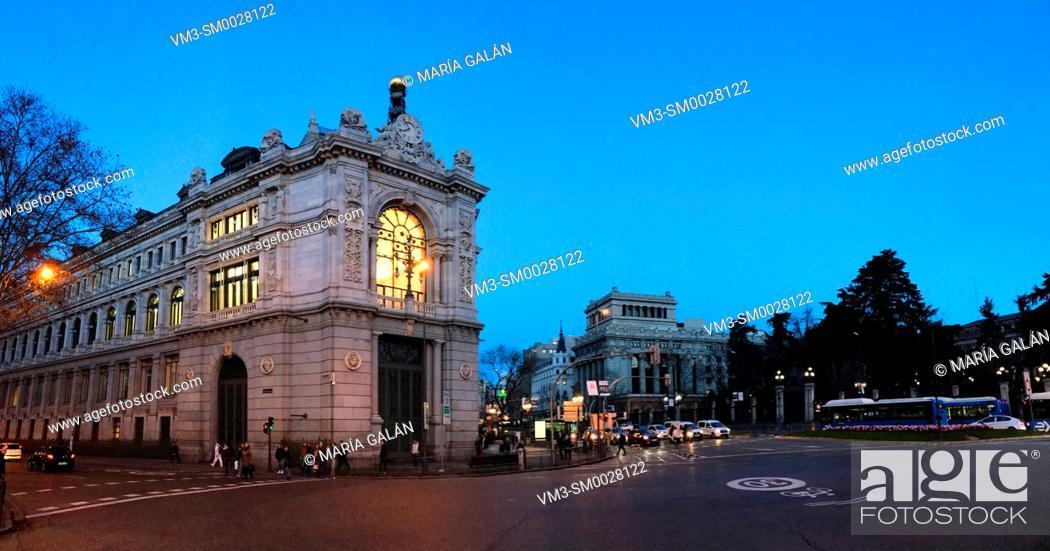 Imagen: Banco de España, night view. Cibeles Square, Madrid, Spain.