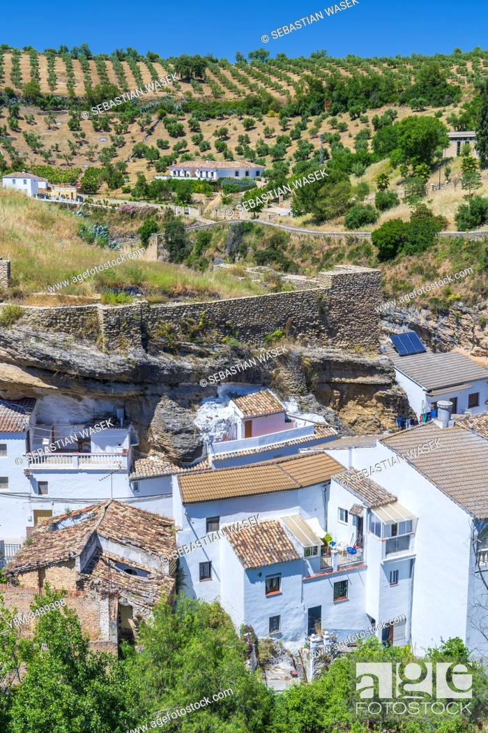Stock Photo: Setenil de las Bodegas, Andalucia, Spain, Europe.