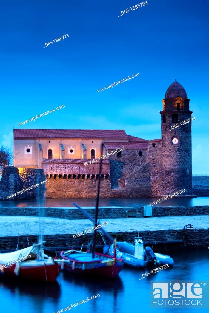 Stock Photo: France, Languedoc-Roussillon, Pyrennes-Orientales Department, Vermillion Coast Area, Collioure, Eglise Notre Dame des Anges, evening.