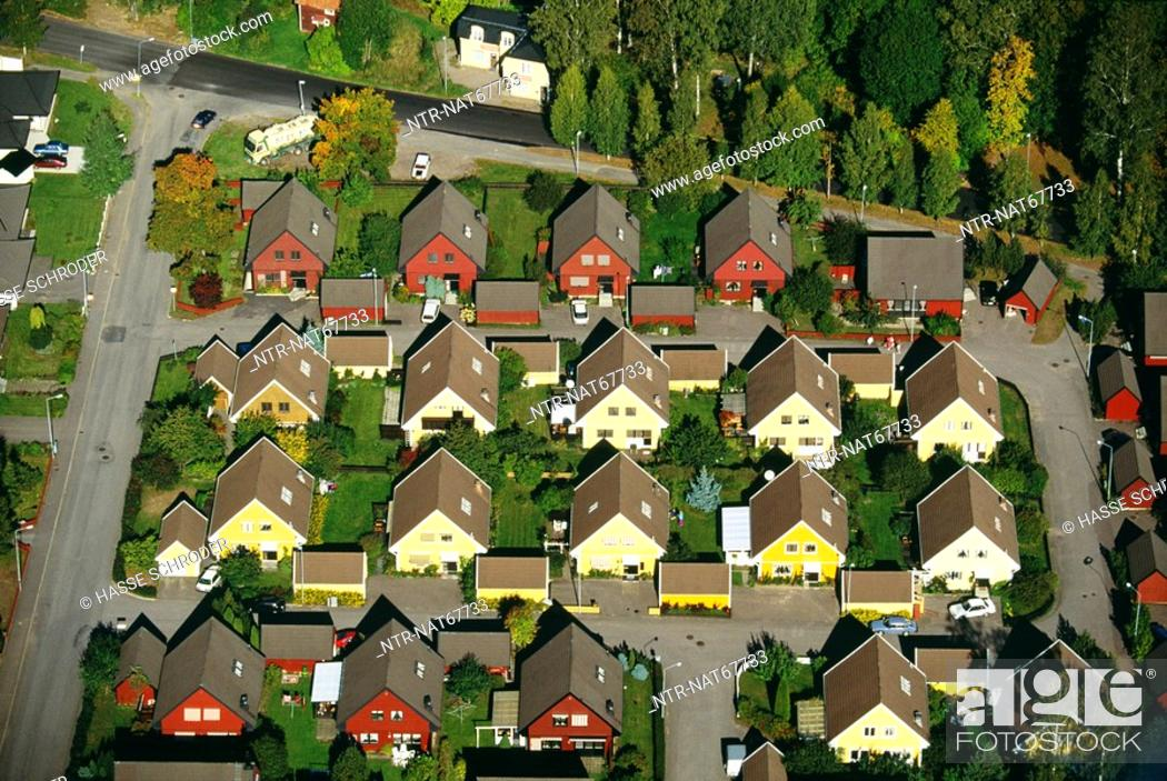 Imagen: Town with houses in rows elevated view.