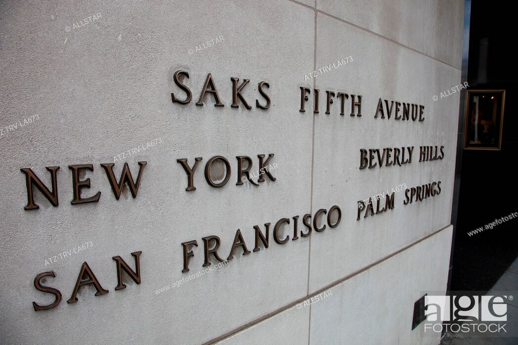 Imagen: SAKS FIFTH AVENUE HIGH STREET SIGN; BEVERLY HILLS STORE, 9600 WILSHIRE BLVD; 01/08/2010.
