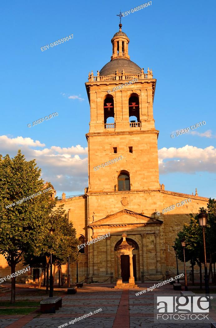 Stock Photo: Sunset at Santa Maria Cathedral, Ciudad Rodrigo, Salamanca province, Spain.