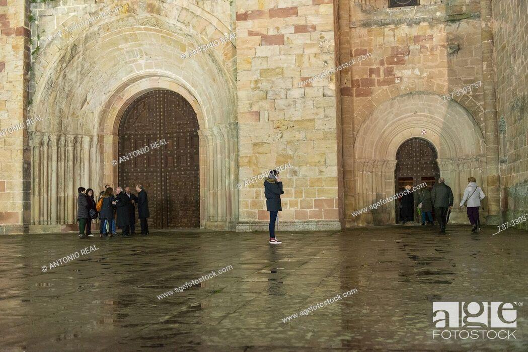 Stock Photo: Catedral de Sigüenza. Ruta del Románico Rural. Guadalajara Province, Castile-La Mancha, Spain.