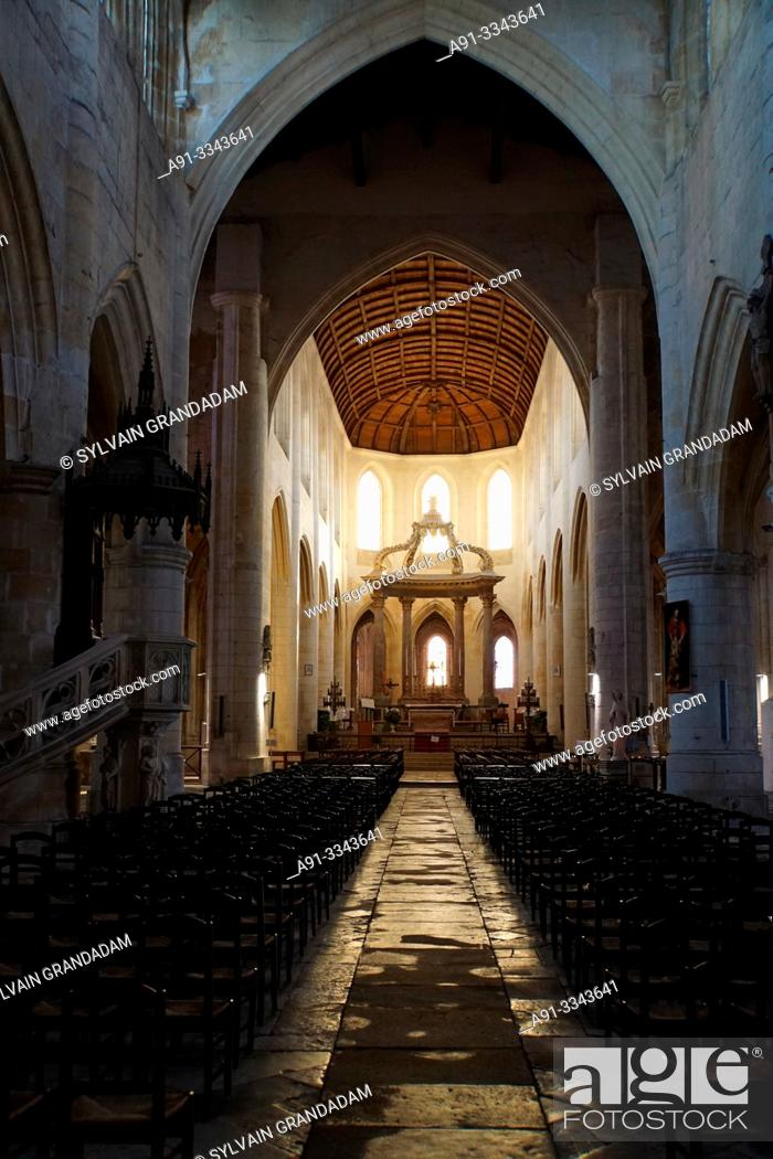 Stock Photo: France, Charente, city of Saintes, the cathedral.