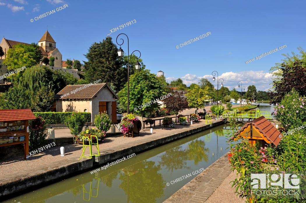 Stock Photo: Canal du Nivernais at Cercy-la-Tour, Nievre department, Bourgogne-Franche-Comte region, France, Europe.
