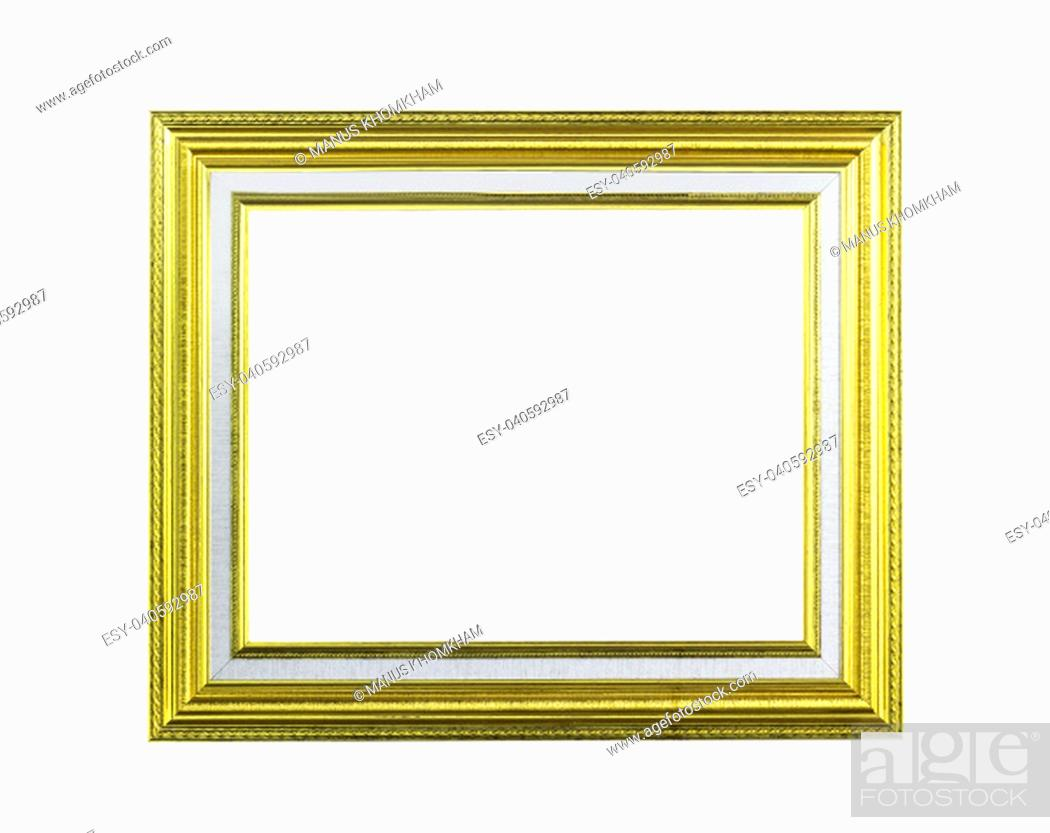 Imagen: Golden wooden frame isolated on white with clipping path.