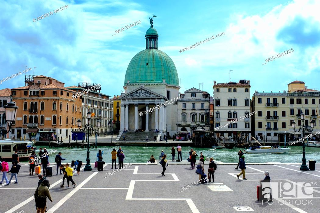 Stock Photo: San Simeone Piccolo, Chiesa di San Simeone Piccolo by the Grand Canal, Venice, Italy.