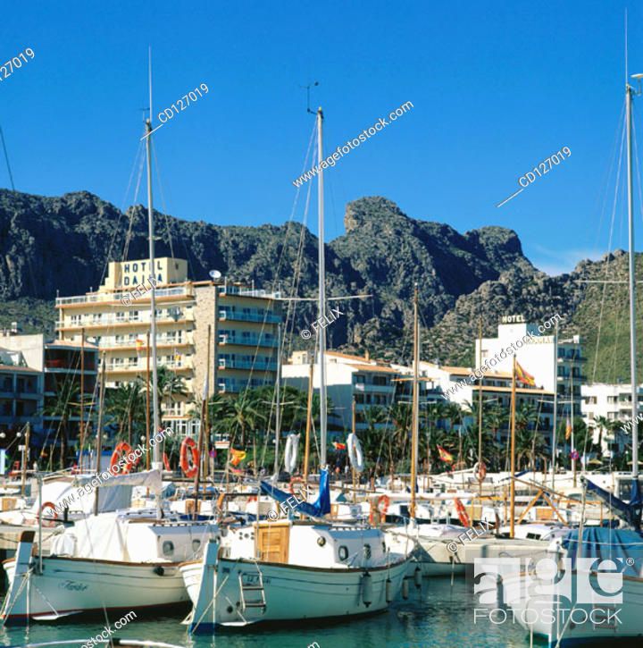 Stock Photo: Port of Pollensa. Majorca. Balearic Islands. Spain.